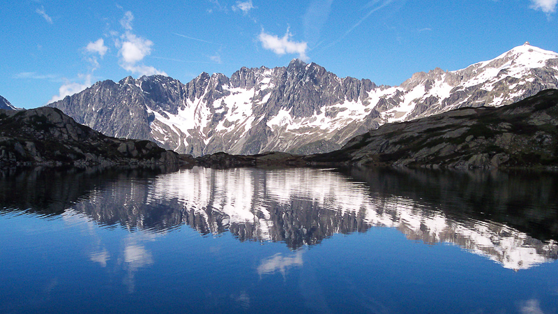 Take an inspiring hike towards one of the mountain lakes and take your time to admire their breathtaking beauty.